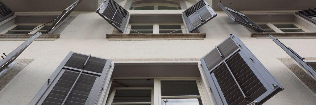 Infissi ecosostenibili i vetri fotovoltaici preventivo - Costo infissi vetrocamera ...